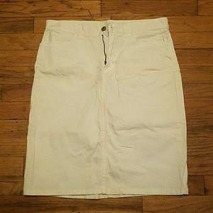 White Gap stretch skirt size 6